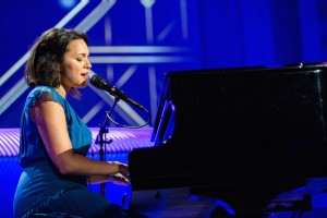 Norah Jones, (Performance)